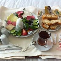Foto diambil di Grand Ser Hotel oleh Deniz C. pada 4/12/2013