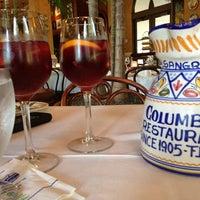 Photo prise au Columbia Restaurant par Tina C. le5/30/2013