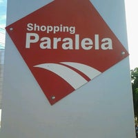 Photo taken at Shopping Paralela by Uanderson S. on 4/1/2013