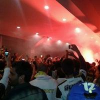 Foto scattata a Fenerbahçe Spor Kulübü da ibobiyo . il 4/25/2013