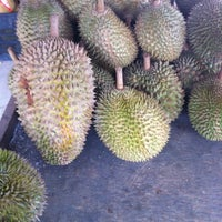 Photo taken at Durian Stall by Muhammad Hafiz H. on 11/21/2012