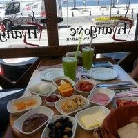 7/3/2013 tarihinde Dilan P.ziyaretçi tarafından Hangover Cafe & Bar'de çekilen fotoğraf