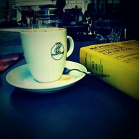 9/25/2012にDudu ..がblueorange - coffee & bagelで撮った写真