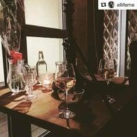 12/3/2016 tarihinde BeauMonde Loungeziyaretçi tarafından BeauMonde Lounge'de çekilen fotoğraf
