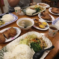 Photo taken at 芳琳魯肉飯 by Sugo T. on 7/27/2017