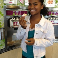 Photo taken at Menchie's Frozen Yogurt by Carrie C. on 11/10/2012