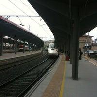 Foto tirada no(a) Estación de Ourense - Empalme | ADIF por Juan C. em 3/7/2013