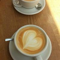 Das Foto wurde bei kaffemik von Seyyarat am 8/1/2015 aufgenommen