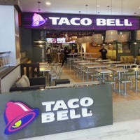 Photo taken at Taco Bell (C.C. La Vaguada) by Taco Bell España on 9/5/2014