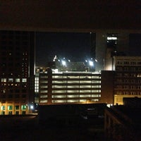 Foto tomada en Holiday Inn Express San Antonio N-Riverwalk Area  por Carlos R. el 12/27/2012