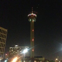 Foto tomada en Holiday Inn Express San Antonio N-Riverwalk Area  por Carlos R. el 12/26/2012