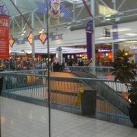รูปภาพถ่ายที่ York Galleria Mall โดย Anthony S. เมื่อ 10/27/2012