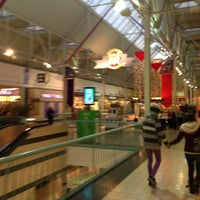 รูปภาพถ่ายที่ York Galleria Mall โดย Anthony S. เมื่อ 12/13/2012