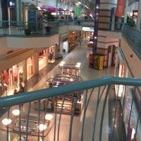 รูปภาพถ่ายที่ York Galleria Mall โดย Anthony S. เมื่อ 10/24/2012