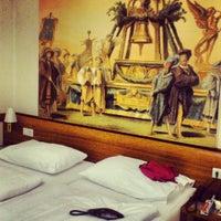 Das Foto wurde bei Parkhotel Schönbrunn von Елена Ч. am 6/7/2013 aufgenommen