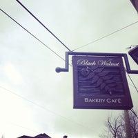 Photo taken at Black Walnut Bakery Cafe by Ji-Young H. on 3/31/2013