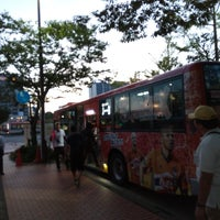 Photo taken at 新潟駅南口バスターミナル by Toto on 9/9/2017