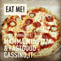 Photo prise au Mamma Mia Pizza & FastGood par Mamma Mia F. le7/15/2013