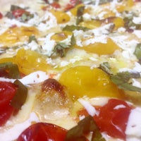 Foto scattata a Mamma Mia Pizza & FastGood da Mamma Mia F. il 5/8/2015