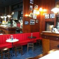 8/29/2013 tarihinde Ivan F.ziyaretçi tarafından Café Centric'de çekilen fotoğraf