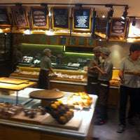 Photo taken at TOUS les JOURS by Gaby S. on 10/5/2014