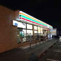 Photo taken at セブンイレブン 平塚大神店 by . on 3/25/2017