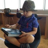 Foto tomada en TAV Primeclass Lounge por Srpl K. el 6/20/2013