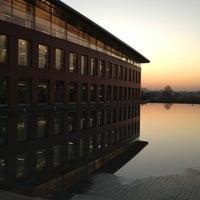 12/25/2012에 Dilara B.님이 Mustafa İnan Kütüphanesi에서 찍은 사진