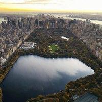 Foto tirada no(a) Central Park por Rudolphe D. em 6/26/2013
