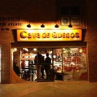 Photo taken at Cava De Quesos by Alvaro Daniel @. on 3/21/2013