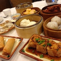 Photo taken at Qin Dynasty Seafood Restuarant by Ashley C. on 11/3/2012