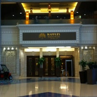 Photo taken at Raffles Makkah Palace by Tahani f💫 on 1/10/2013