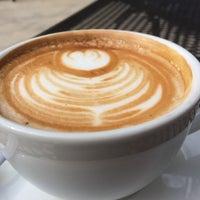 Foto scattata a Ultimo Coffee Bar da Nancy H. il 9/14/2014