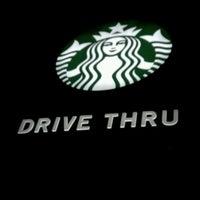 Photo prise au Starbucks par LeAnne L. le11/23/2012