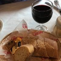 5/28/2017 tarihinde Ed V.ziyaretçi tarafından Salerno's Restaurant'de çekilen fotoğraf