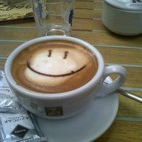 Foto tomada en Caffe Delle Rose por Elen el 9/18/2013