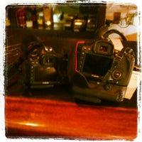 Foto tomada en Casa Armas Tapas Bar y Restaurante por Chris D. el 2/12/2013