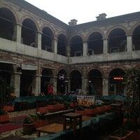 Photo prise au Taşhan Historical Bazaar par Yasemin Melina Zemzem le1/26/2013