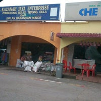 Photo taken at Kazanah Jaya Enterprise by Atinzaf H. on 11/23/2013