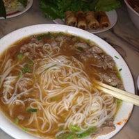 11/17/2012 tarihinde Harlem's H.ziyaretçi tarafından Phở Bằng'de çekilen fotoğraf