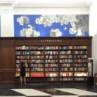 Снимок сделан в Rizzoli Bookstore пользователем Mike T. 8/11/2015