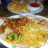 Photo taken at Golden Palace Chinese Restaurant by Elliot P. on 2/27/2014