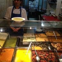 10/20/2012 tarihinde Rabiaziyaretçi tarafından Lades Restaurant'de çekilen fotoğraf