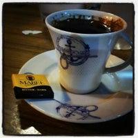 7/26/2013 tarihinde Emre A.ziyaretçi tarafından Bulvar Emirgan Cafe'de çekilen fotoğraf