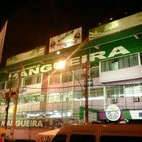 Foto tirada no(a) G.R.E.S. Estação Primeira de Mangueira por Michel R. em 1/20/2013