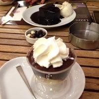11/19/2013 tarihinde Eylül U.ziyaretçi tarafından Kahve Dünyası'de çekilen fotoğraf
