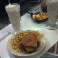 Photo taken at Steak 'n Shake by Damon V. on 3/15/2013