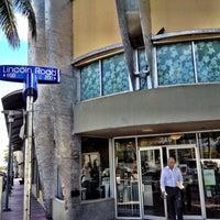 Снимок сделан в Starbucks пользователем Ignacio D. 10/22/2012
