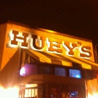 Photo taken at Huey's Restaurant by Cesar H. on 1/4/2013