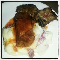 Foto tirada no(a) Meli Restaurant por xoJohn.com em 9/28/2012